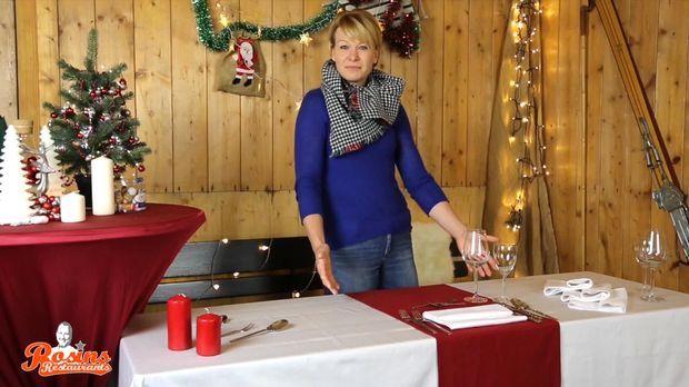 festlich gedeckter tisch zu weihnachten so klappt s. Black Bedroom Furniture Sets. Home Design Ideas