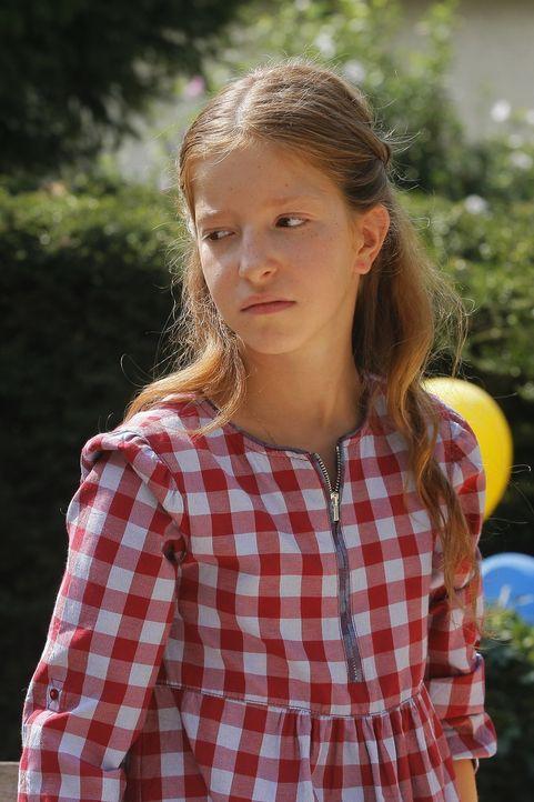 Ist Alice Germot (Carla Besnaïnou) wirklich die, für die sie alle halten? - Bildquelle: 2014 BEAUBOURG AUDIOVISUEL