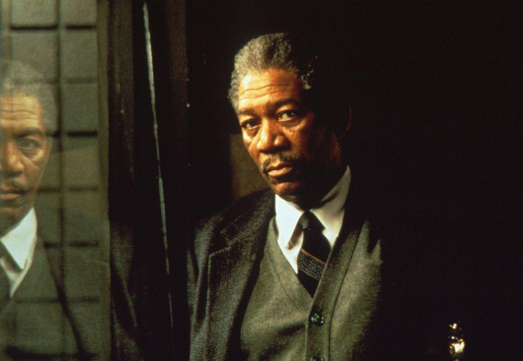 Sein letzter Fall fordert dem ausgebrannten, desillusionierten Cop Somerset (Morgan Freeman) alles ab: Ein krankhafter, skrupelloser Mörder führt mi... - Bildquelle: Constantin Film
