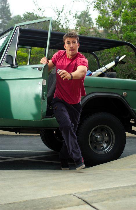 Für Sunnyboy Ryan (Chris Evans) beginnt ein gnadenloser Wettlauf mit der Zeit ? - Bildquelle: Warner Bros. Pictures