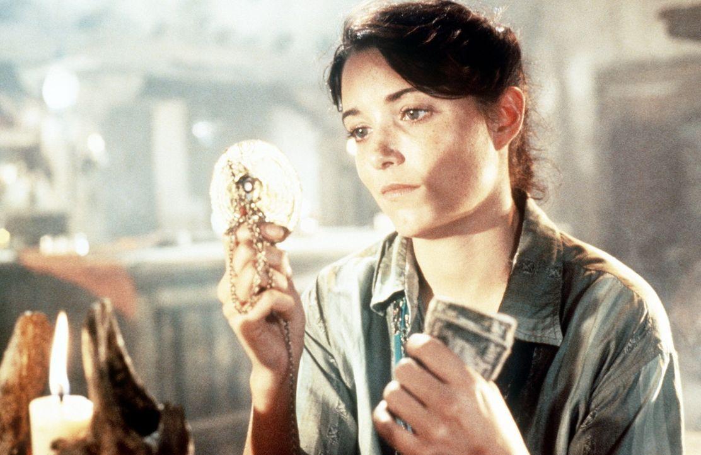 Mit allen Mitteln will Marion (Karen Allen) verhindern, dass die geheimnisvolle Macht der Bundeslade in die falschen Hände fällt ... - Bildquelle: Paramount Pictures