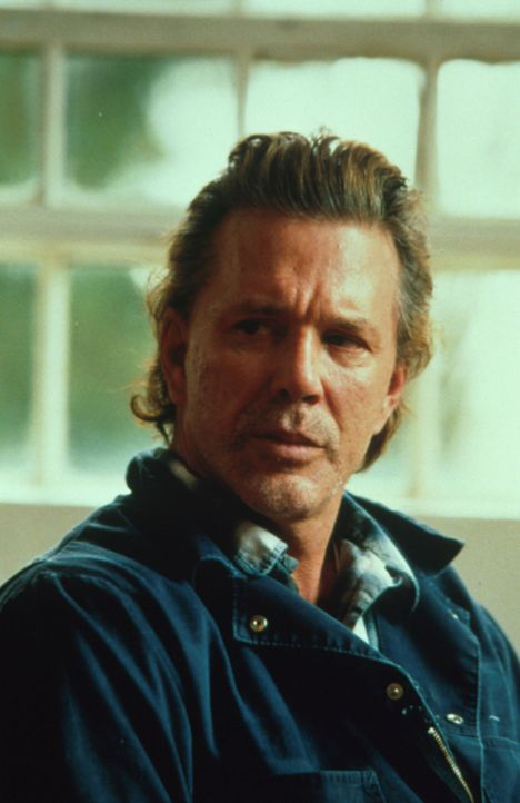 Im Verdacht: Was hat Jim Olstad (Mickey Rourke) mit dem Mord zu tun? - Bildquelle: Warner Bros.