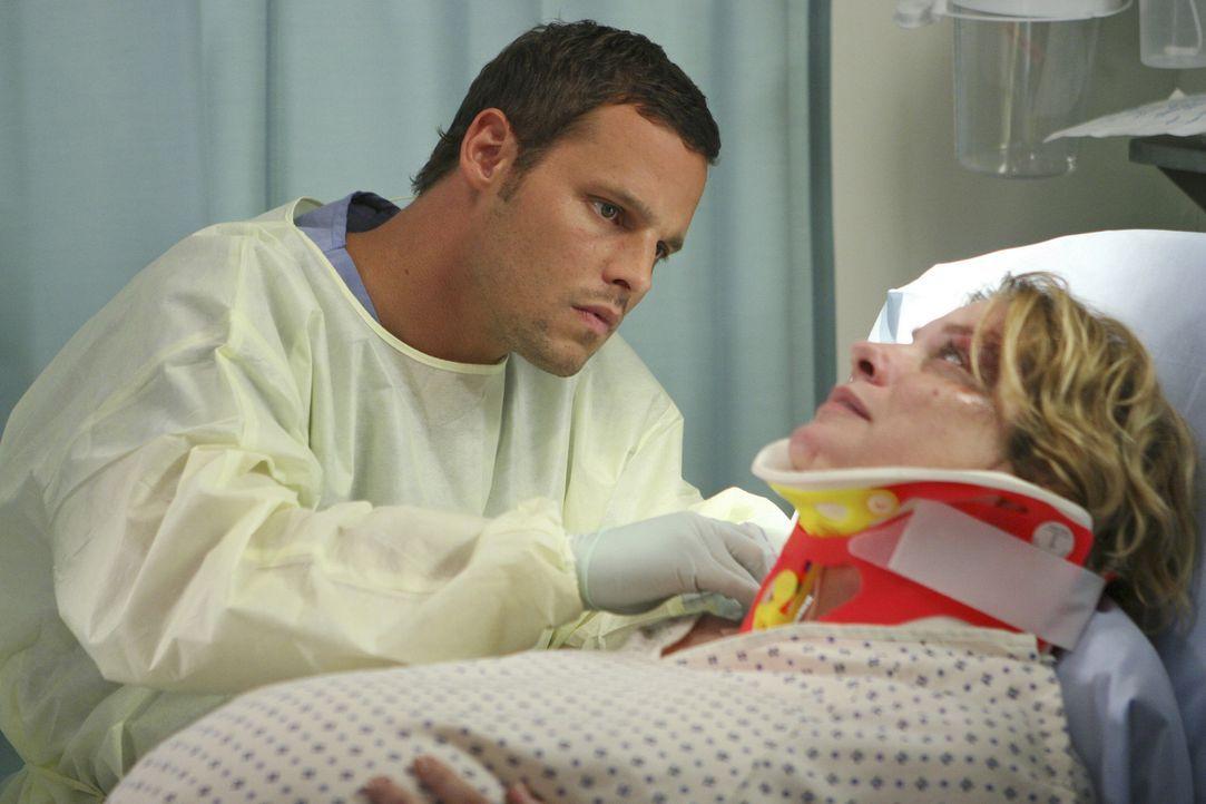 Alex (Justin Chambers, l.) gibt sein Bestes, um Jana (Cynthia Ettinger, r.) zu helfen ... - Bildquelle: Touchstone Television