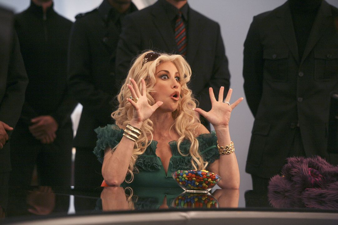 Schon bald gelingt es Fabia (Gina Gershon), Wilhelmina an den Rand des Wahnsinns zu treiben ... - Bildquelle: Buena Vista International Television