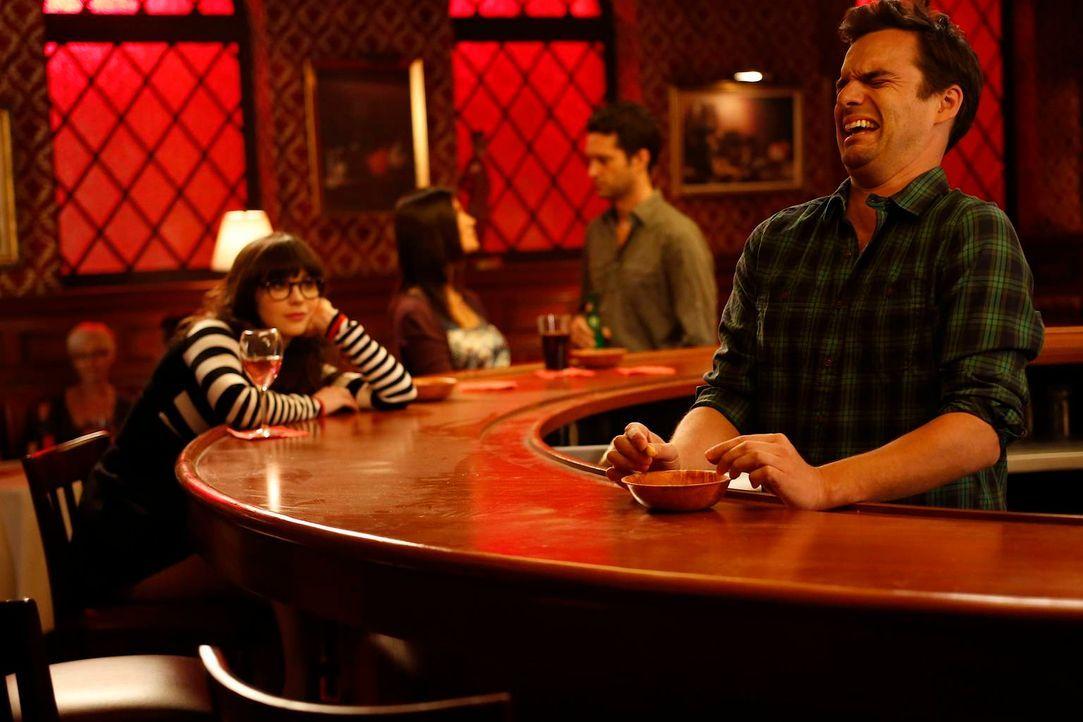 Jess (Zooey Deschanel, l.) und ihr Freund für gewisse Stunden haben ein Beziehungsproblem. Sie versucht herauszufinden, was schiefläuft und bekommt... - Bildquelle: 2012 Twentieth Century Fox Film Corporation. All rights reserved.