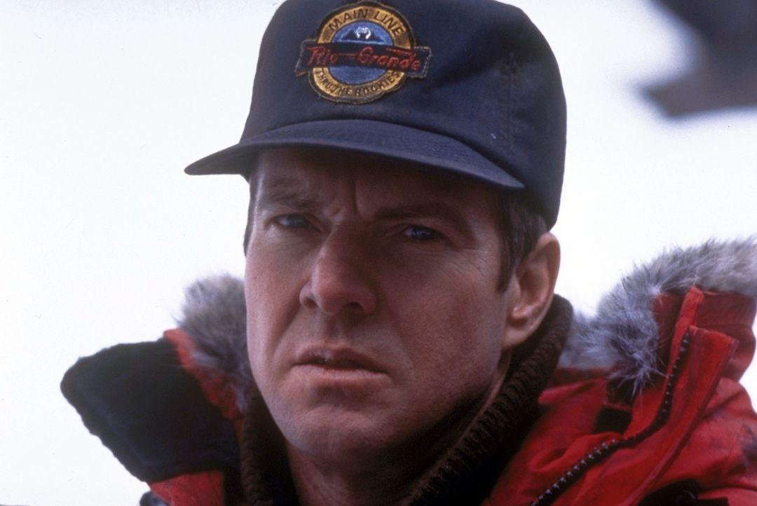 Der Mörder stellt FBI-Agent Frank LaCrosse (Dennis Quaid) eine Falle - und auf einmal wird aus dem Jäger ein Gejagter... - Bildquelle: Paramount Pictures