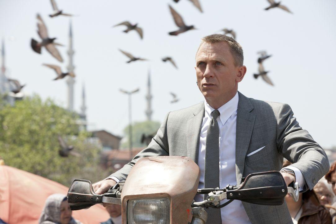 Jagt einen hemmungslosen Rächer: James Bond (Daniel Craig) ... - Bildquelle: Skyfall   2012 Danjaq, LLC, United Artists Corporation and Columbia Pictures Industries, Inc. All rights reserved.