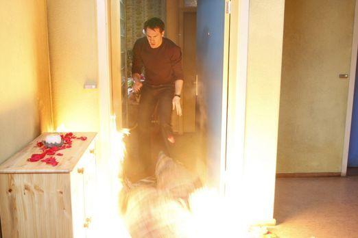 Alexandra versucht verzweifelt, Mark (Arne Stephan) zurückzugewinnen. Als der...