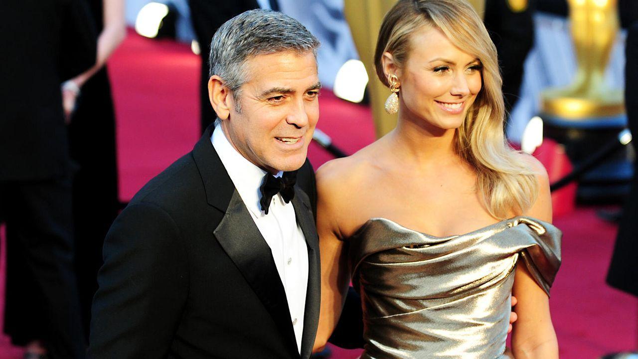 George Clooney und Stacy Keebler - Bildquelle: AFP