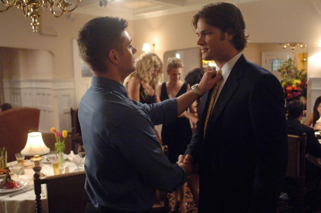 Wie es ist und wie es niemals sein sollte: Dean (Jensen Ackles, l.) und Sam (Jared Padalecki, r.) ... - Bildquelle: Warner Bros. Television