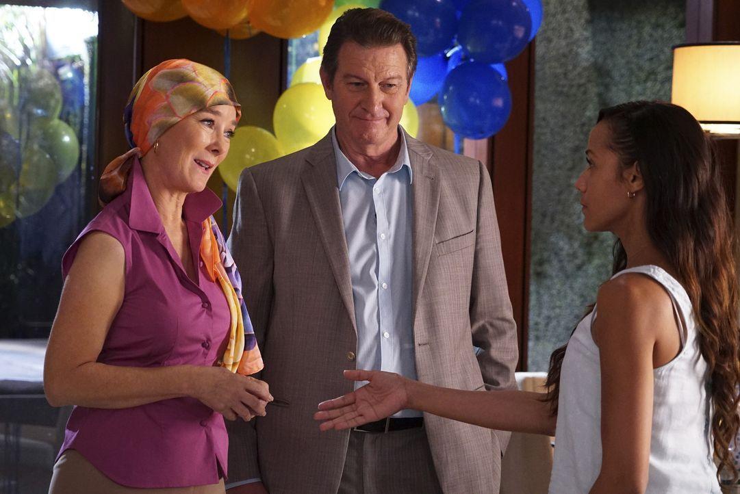 Kann Olivia (Valerie Mahaffey, l.) Michael (Brett Cullen, M.) und Rosie (Dania Ramirez, r.) davon überzeugen, dass sie Krebs hat? - Bildquelle: Fred Norris 2015 American Broadcasting Companies, Inc. All rights reserved.