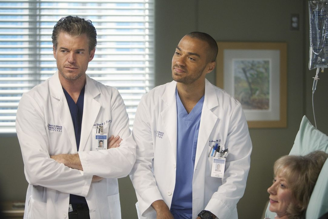 Während Owen und Cristina eine Paartherapie machen, versuchen Mark (Eric Dane, l.) und Jackson (Jesse Williams, M.) ihrer Patientin Carrie (Ellen Cr... - Bildquelle: ABC Studios