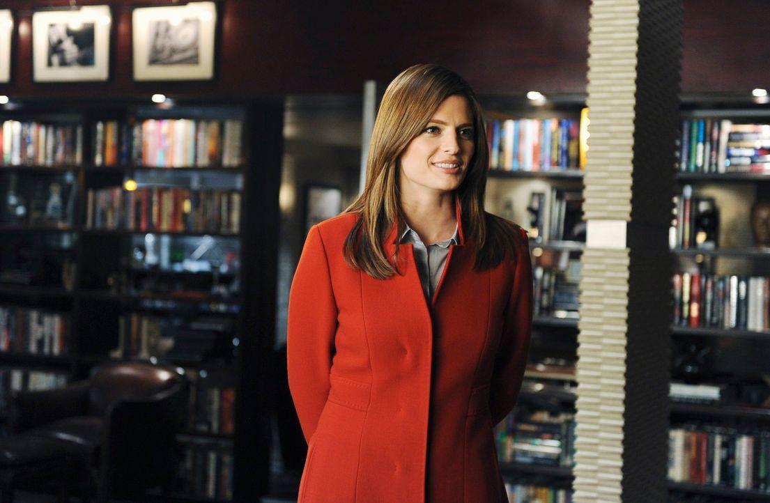 Der neue Fall regt mal wieder Castles Fantasie an - sehr zur Belustigung von Kate Beckett (Stana Katic) ... - Bildquelle: 2010 American Broadcasting Companies, Inc. All rights reserved.