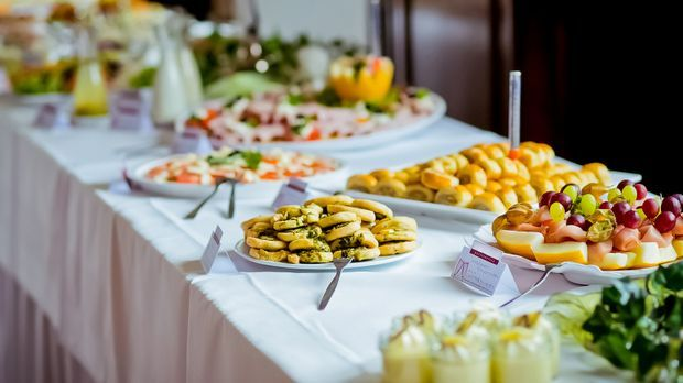 Speisen und Getränke am Hochzeitstag