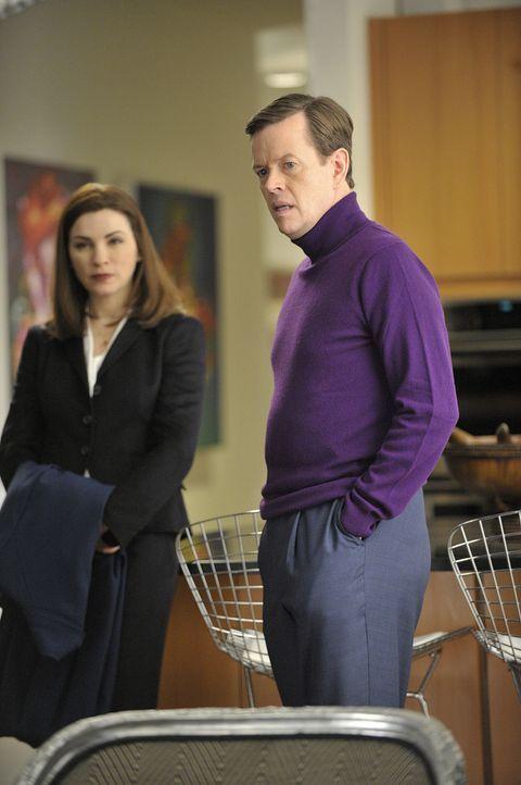 Alicia (Julianna Margulies, l.) vertritt Colin Sweeney (Dylan Baker, r.), der unter Verdacht steht, seine Frau umgebracht zu haben ... - Bildquelle: CBS Studios Inc. All Rights Reserved.