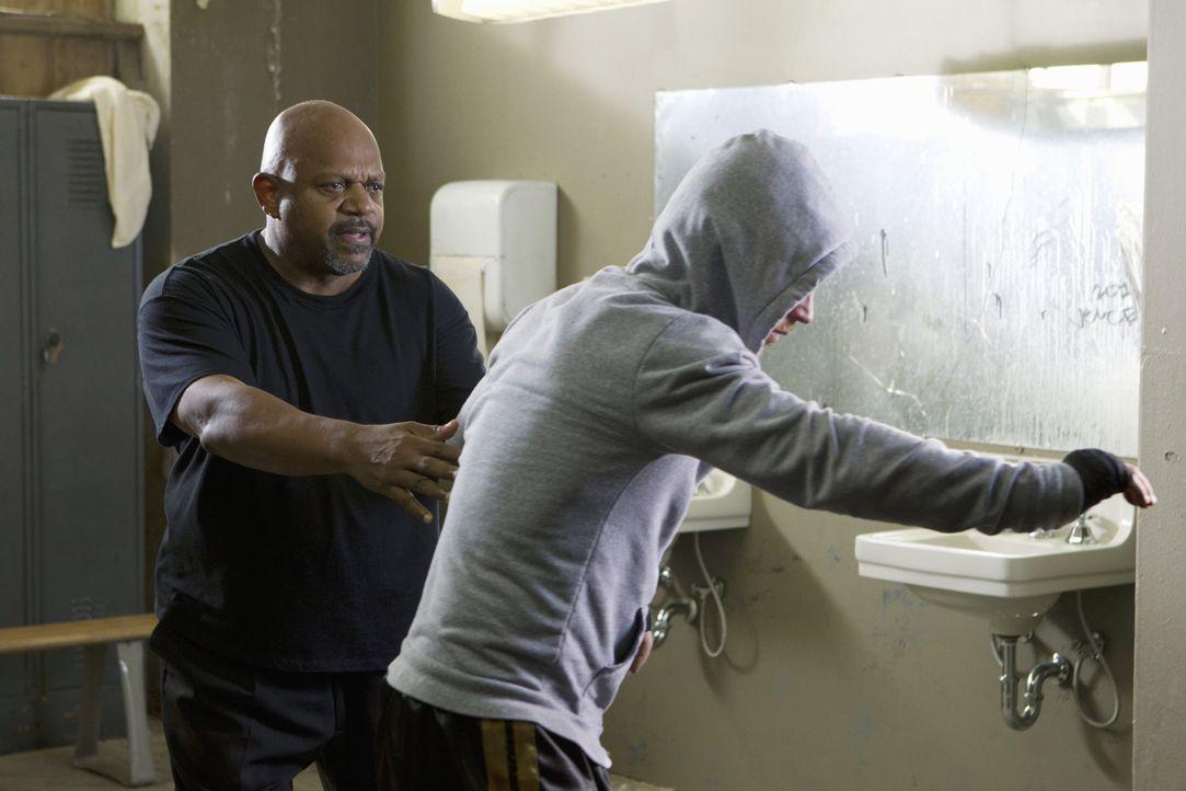 Bei den Ermittlungen in ihrem neuen Fall, gerät das Bau-Team in die Boxszene von Philadelphia. Doch haben Jimmy Hall (Shawn Hatosy, r.) und Tony Co... - Bildquelle: ABC Studios