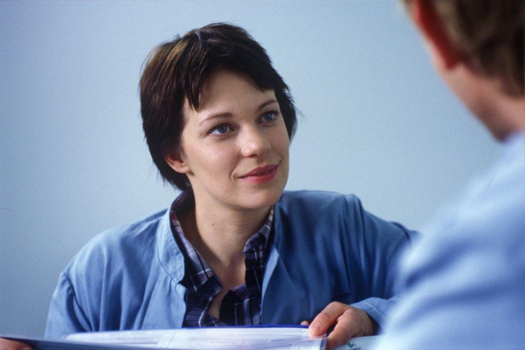 Hanna (Theresa Hübchen) ist auf der Suche nach der Wahrheit. Was ist mit ihrem Freund Michael passiert, bevor er in die Pathologie eingeliefert wurd... - Bildquelle: Thiel Sat.1
