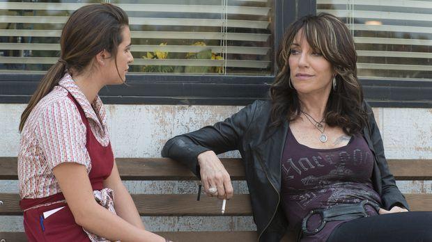 Während Juice an seiner Flucht nach Mexiko arbeitet, erholt sich Gemma (Katey...