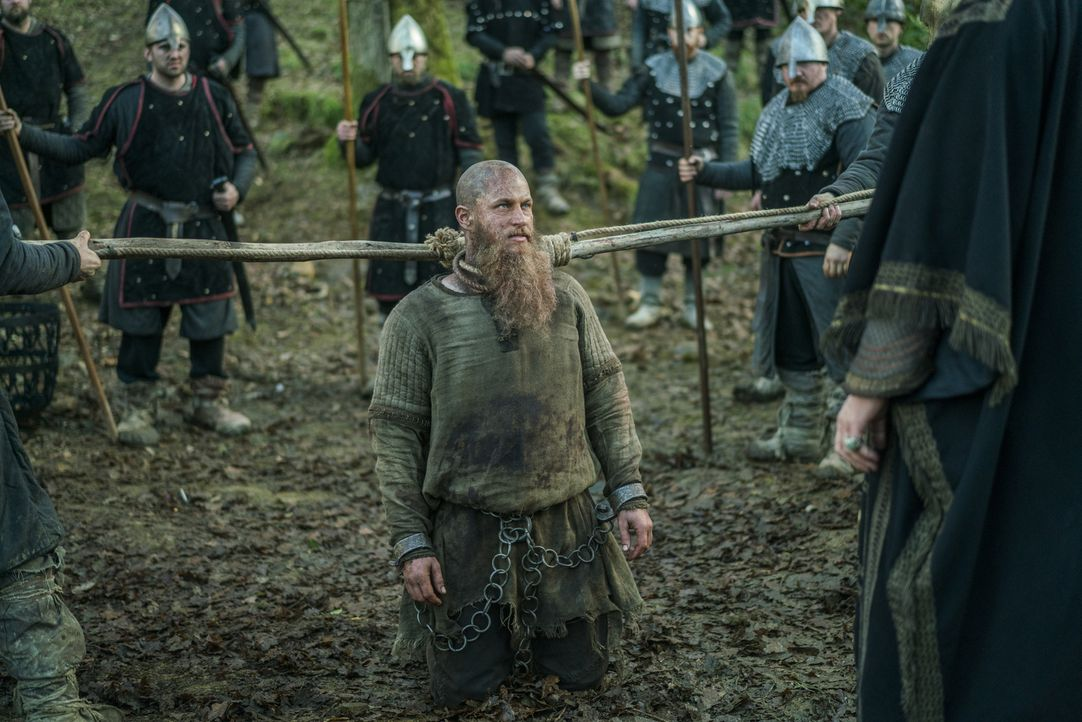 Hat nun wirklich Ragnars (Travis Fimmel) letzte Sekunde geschlagen? - Bildquelle: 2016 TM PRODUCTIONS LIMITED / T5 VIKINGS III PRODUCTIONS INC. ALL RIGHTS RESERVED.