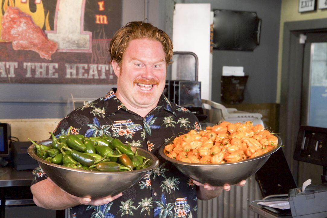 Dieses Mal macht Casey Webb Seattle unsicher und stellt sich dort todesmutig einem Menü mit Hähnchenschenkeln mit einer feuriger Habanero-Paste ... - Bildquelle: 2017, The Travel Channel, LLC. All Rights Reserved.