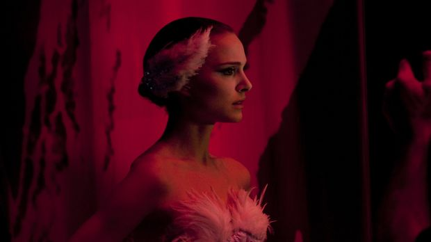 Die junge und attraktive Ballerina Nina (Natalie Portman) wünscht sich nichts...