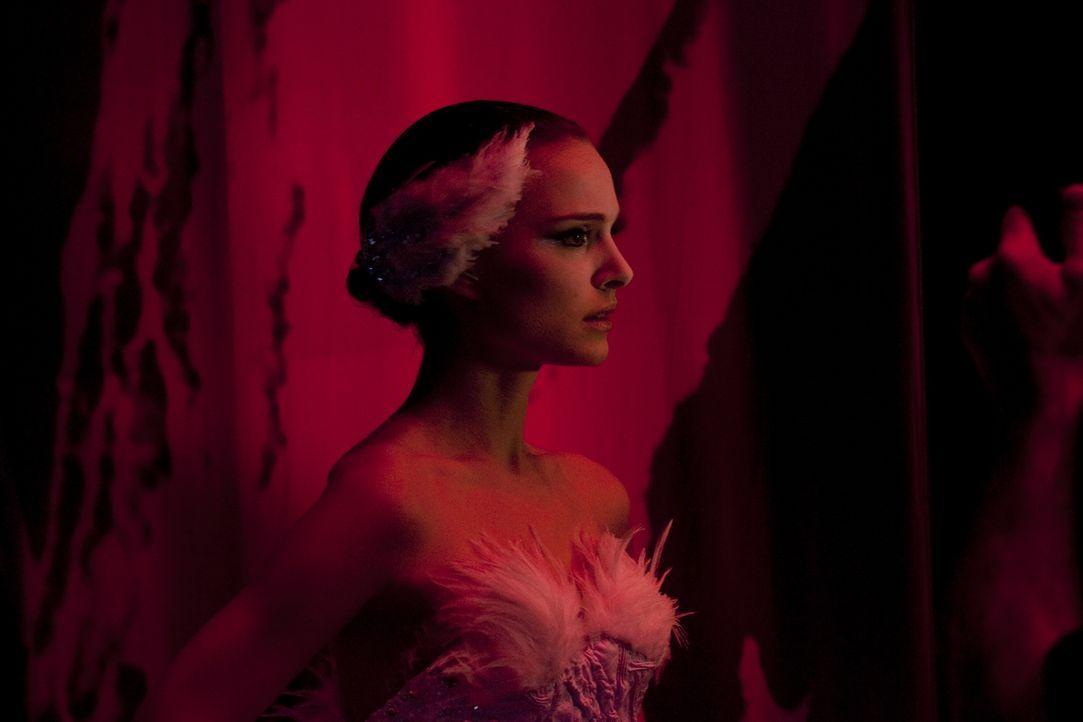 """Die junge und attraktive Ballerina Nina (Natalie Portman) wünscht sich nichts sehnlicher, als eines Tages die Hauptrolle in Tschaikowskis """"Schwanens... - Bildquelle: 20th Century Fox"""