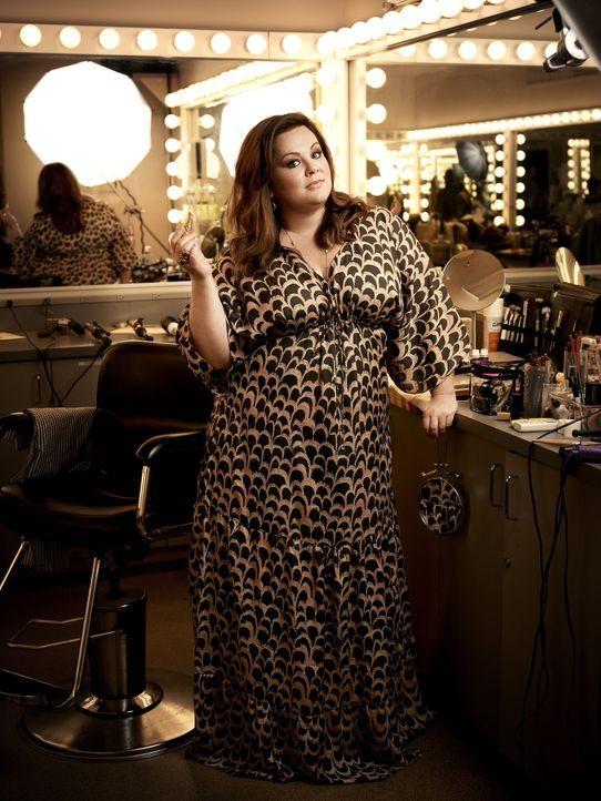 (2. Staffel) - In einer Selbsthilfegruppe für Übergewichtige hat Molly Flynn  (Melissa McCarthy) den liebenswürdigen Polizisten Mike Biggs (Billy Ga... - Bildquelle: Warner Brothers