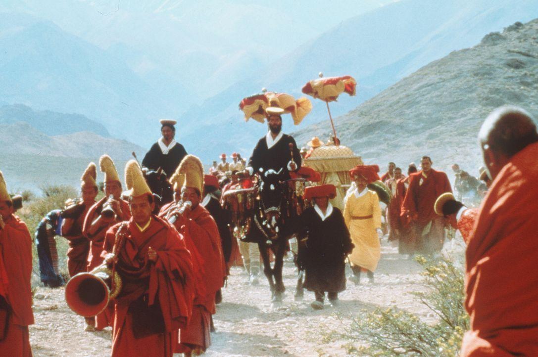 In Tibet kommt Heinrich Harrer, ein Österreicher und Nazi-Sympathisant, mit der friedlichen, buddhistischen Kultur in Kontakt. In dem jungen Dalai... - Bildquelle: TriStar Pictures