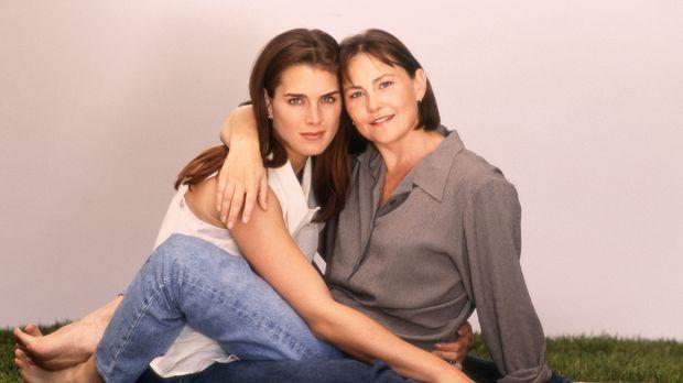 Das Glück von Janine Nielssen (Brooke Shields, l.) und Sandy Cataldi (Cherry...
