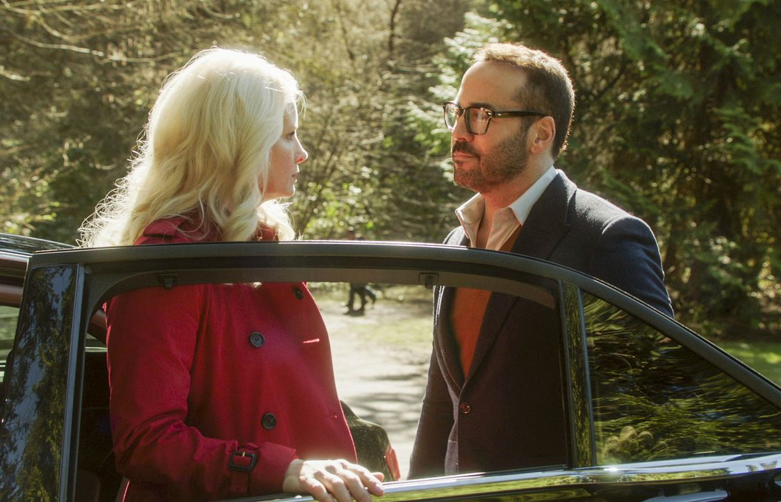 Was sagt Jeffrey Tanners (Jeremy Piven, r.) Ex-Frau Alex Hale (Monica Potter, l.) zu seinem revolutionären Projekt, den Mörder ihrer gemeinsamen Toc... - Bildquelle: 2017 CBS Broadcasting, Inc. All Rights Reserved