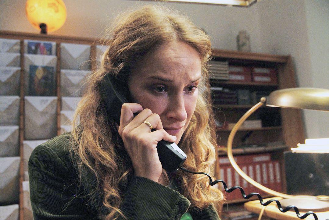 Anne (Chiara Schoras) fleht ihren Mann Harald an, dass er seinen Rachefeldzug stoppen muss ... - Bildquelle: Hardy Spitz Sat.1
