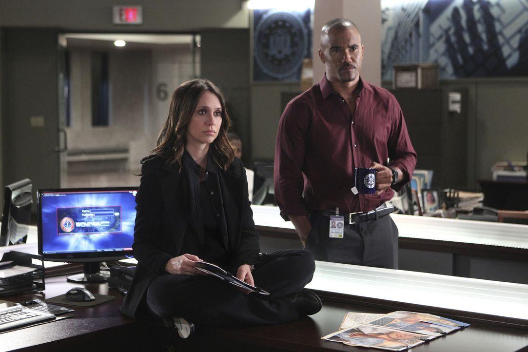 Ein neuer verzwickter Fall beschäftigt Kate (Jennifer Love Hewitt, l.) und Derek (Shemar Moore, r.) ... - Bildquelle: Sonja Flemming ABC Studios