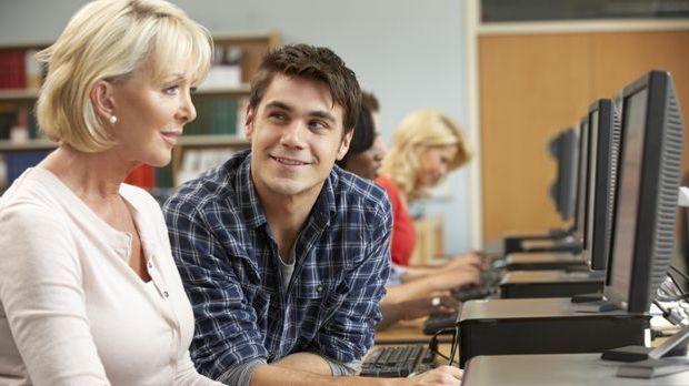 Ältere frau flirten