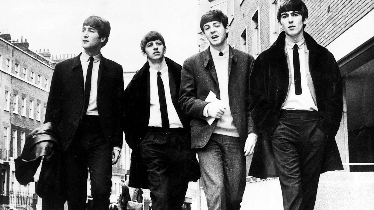 the-beatles-John-Lennon-Ringo-Starr-Paul-McCartney-George-Harrison-1963-dpa - Bildquelle: dpa