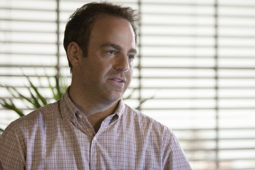 Private Practice - Cooper (Paul Adelstein) behandelt Kerri, die Leukämie hat....