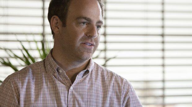 Cooper (Paul Adelstein) behandelt Kerri, die Leukämie hat. Die einzige Therap...