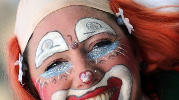 clown kost m selber machen tipps sat 1 ratgeber. Black Bedroom Furniture Sets. Home Design Ideas