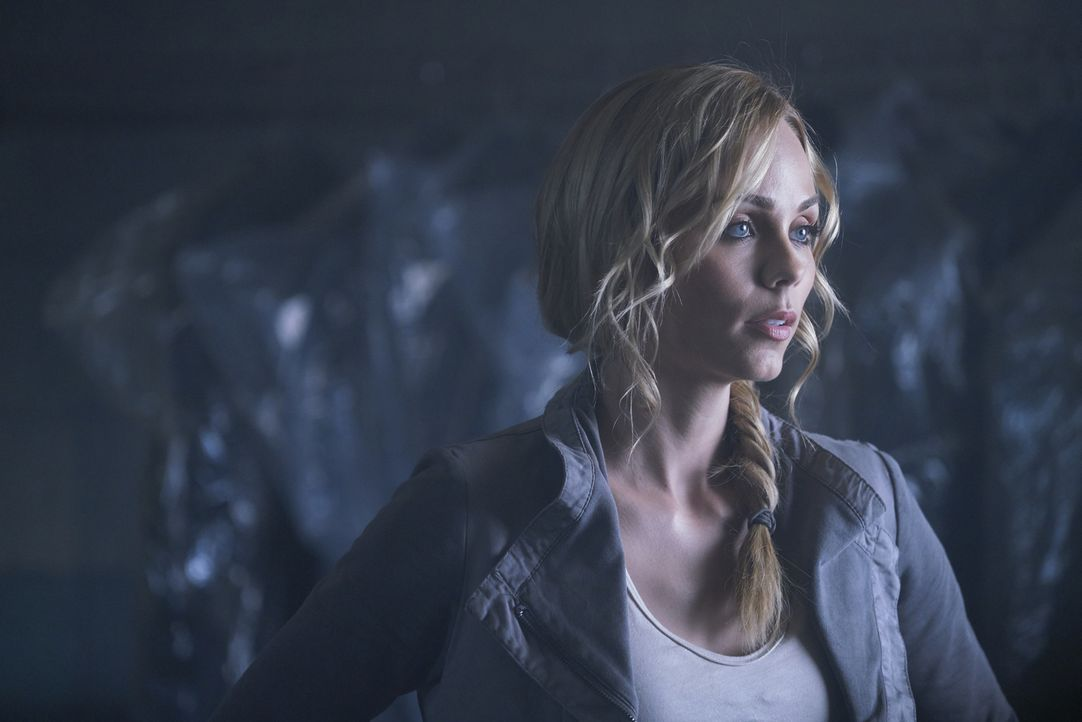 Clay bittet Elena (Laura Vandervoort) darum, Jeremy endlich die Wahrheit über Sasha und ihre neue Familie zu erzählen. Doch wie wird der Alpha reagi... - Bildquelle: 2016 She-Wolf Season 3 Productions Inc.
