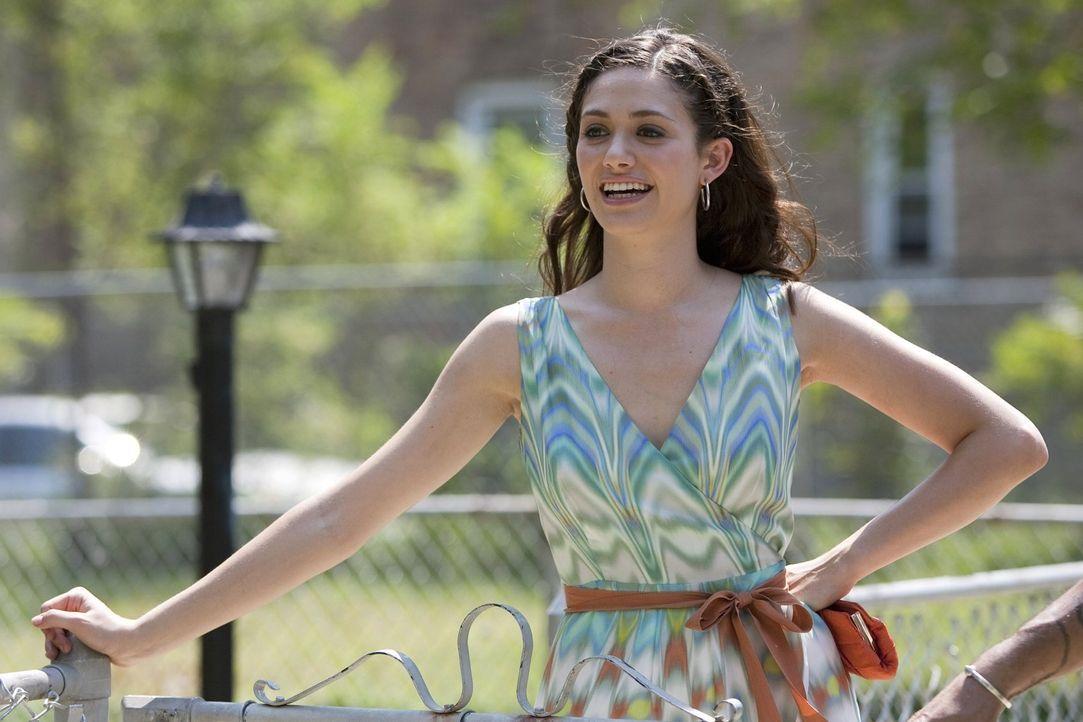 Eine elegante Hochzeit sorgt dafür, dass Fiona (Emmy Rossum) ihre Herkunft leugnet und verschweigt, welche Hintergründe sie eigentlich hat ... - Bildquelle: 2010 Warner Brothers