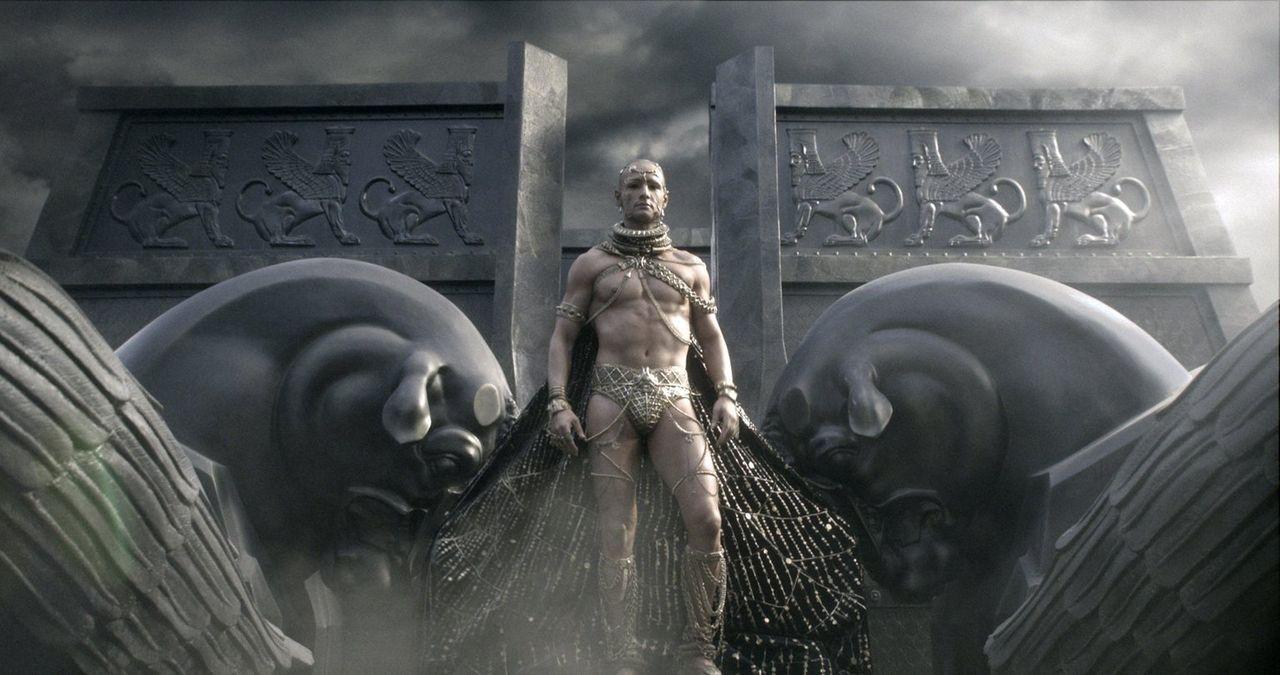 Xerxes (Rodrigo Santoro), Gott-König der Perser, schickt seine Beraterin Artemisia mit einer Übermacht an Schiffen gegen Griechenland in den Krieg,... - Bildquelle: 2014 Warner Bros. Entertainment, Inc.