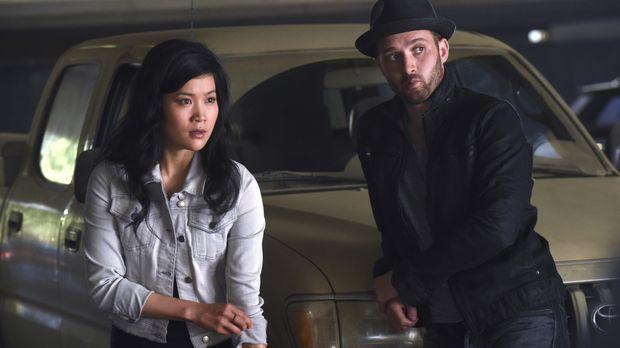 Scorpion - Ein todbringender Virus hält Happy (Jadyn Wong, l.) und Toby (Eddi...