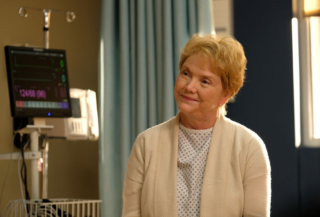 Die berühmte Ärztin Dr. Eileen Jacoby (Erika Slezak) wird mit Halluzinationen ins Chastain Park Memorial Hospital eingeliefert ... - Bildquelle: 2018 Fox and its related entities.  All rights reserved.