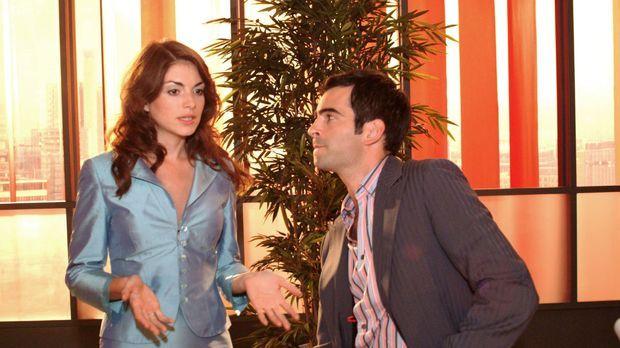David (Mathis Künzler, r.) versucht die verunsicherte Mariella (Bianca Hein,...