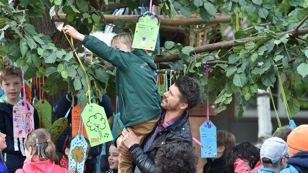Der Wunschbaum - Kinder Machen Träume Wahr - Der Wunschbaum - Kinder Machen Träume Wahr - Diese Wünsche Rühren Sogar Thore Zu Tränen