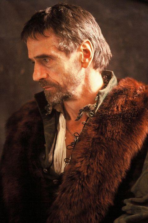 Wird es dem Kaufmann Antonio (Jeremy Irons) gelingen, dem verbitterten Geldverleiher Shylock den geforderten Kredit rechtzeitig zurückzubezahlen? - Bildquelle: CPT Holdings, Inc.  All Rights Reserved.