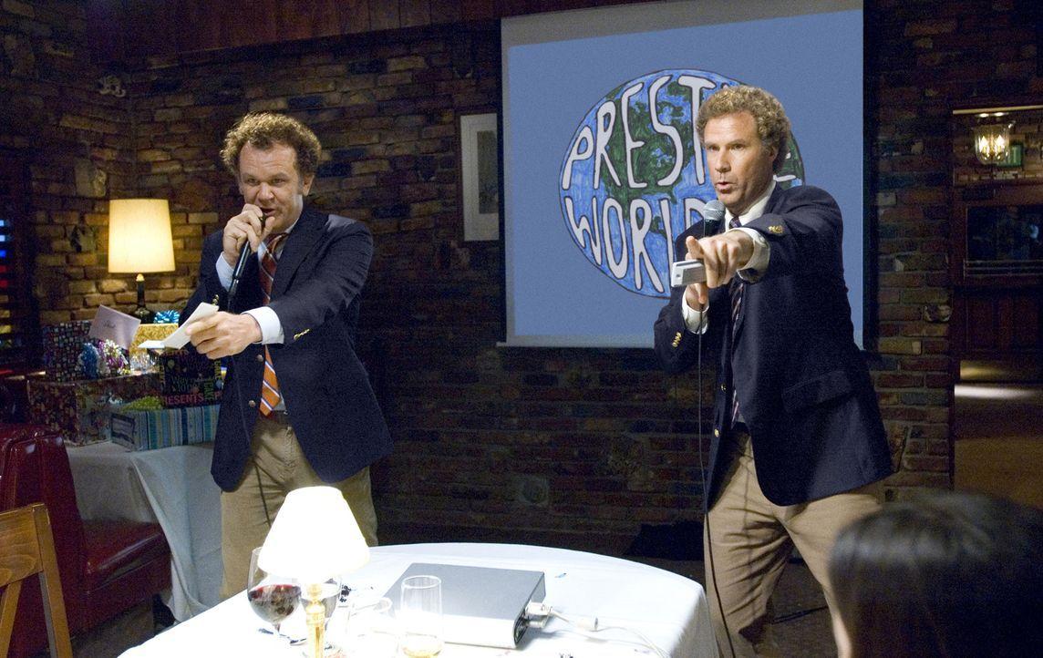 Was auch immer Brennan (Will Ferrell, r.) und Dale (John C. Reilly, l.) anpacken, endet im unbeschreiblichen Chaos ... - Bildquelle: 2008 Columbia Pictures Industries, Inc. and Beverly Blvd LLC. All Rights Reserved.