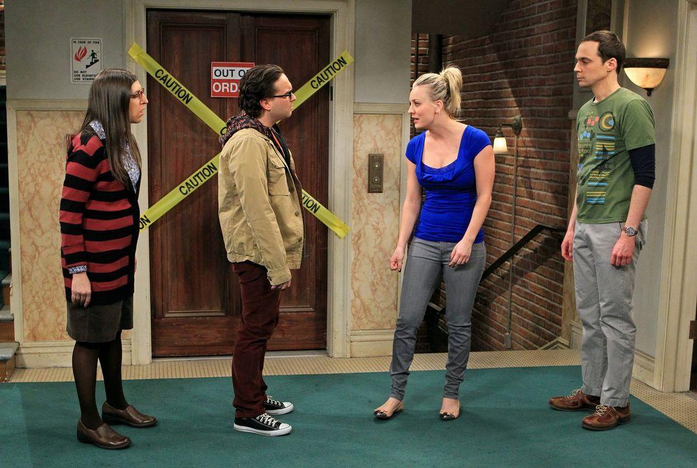 Ein Streit zwischen Sheldon (Jim Parsons, r.) und Leonard (Johnny Galecki, 2.v.l.) schwappt auch auf Penny (Kaley Cuoco, 2.v.r.) und Amy (Mayim Bial... - Bildquelle: Warner Bros. Television