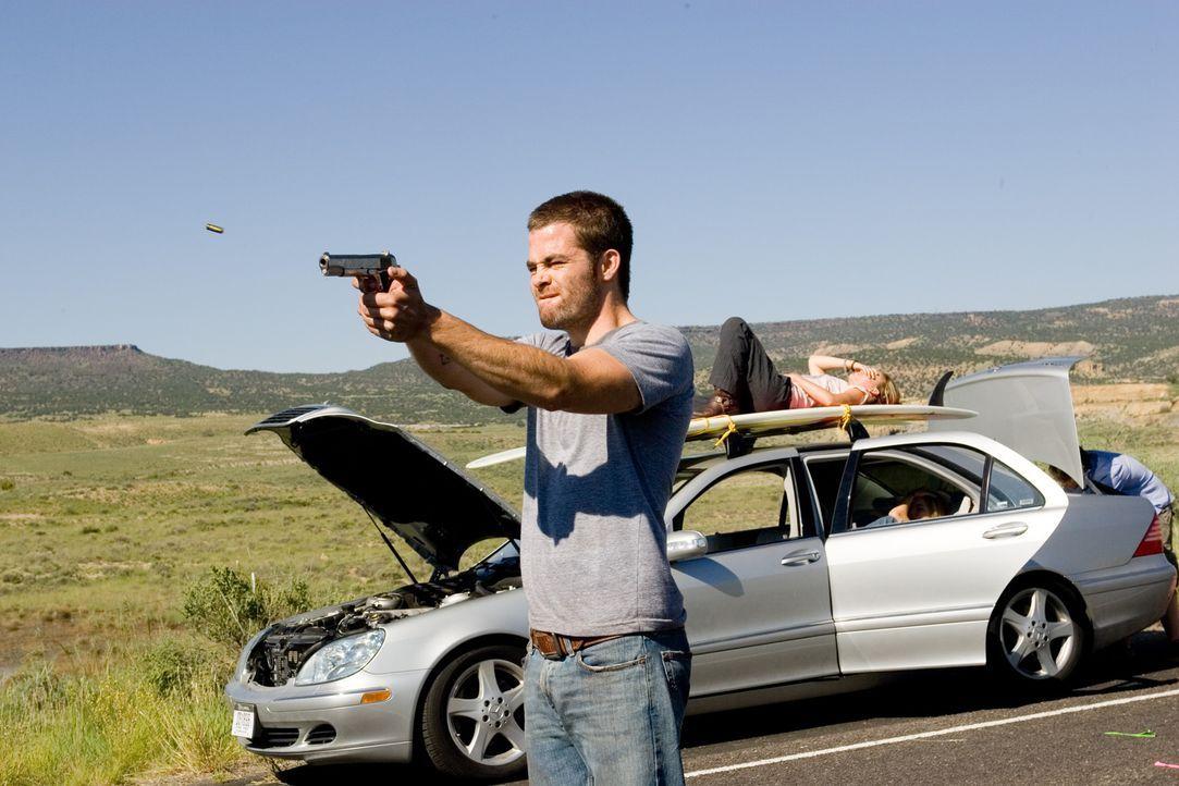 Als das Auto eine Panne hat, eskaliert schon bald die Situation zwischen Brian (Chris Pine), seinem Bruder und den zwei Mädels ... - Bildquelle: 2006 Ivy Boy Productions Inc. - All Rights Reserved