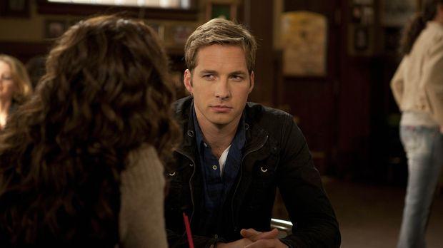 Ben (Ryan Hansen) trifft eine Ex-Freundin, die ihn verlassen hat. Doch wie si...