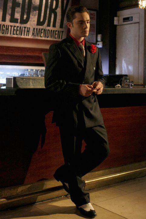 Chuck (Ed Westwick) grübelt, wie er seinen Club ohne Alkohollizenz zu einem Geheim-Club machen könnte. - Bildquelle: Warner Brothers